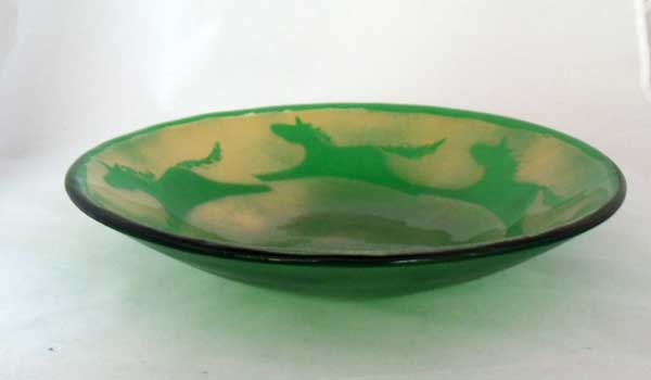 """Fused glass bowl - Green with horses outlined in gold """"mica"""""""